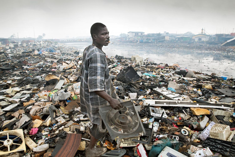 Дым, болезни, смерть. Как белые превратили Африку в кладбище электроники